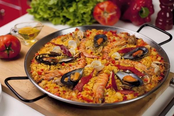 paella valenciana-por-que-los-italianos-eligen-valencia-para-aprender-espanol